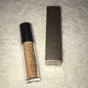 BNIB Naked Weightless Ultra Definition Foundation